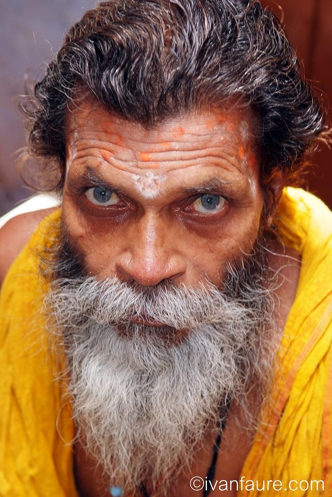 1- INDIA. Baba en Varanasi.