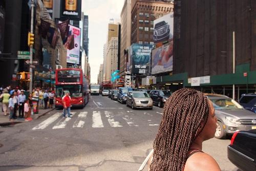 chica pelo rizado en nueva york