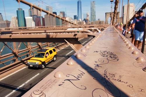 taxi en brooklyn bridge