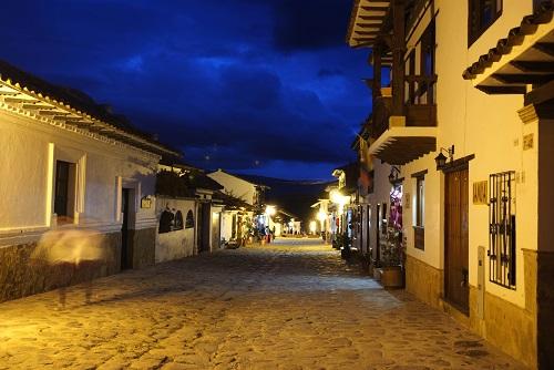 calle villa de leyva de noche