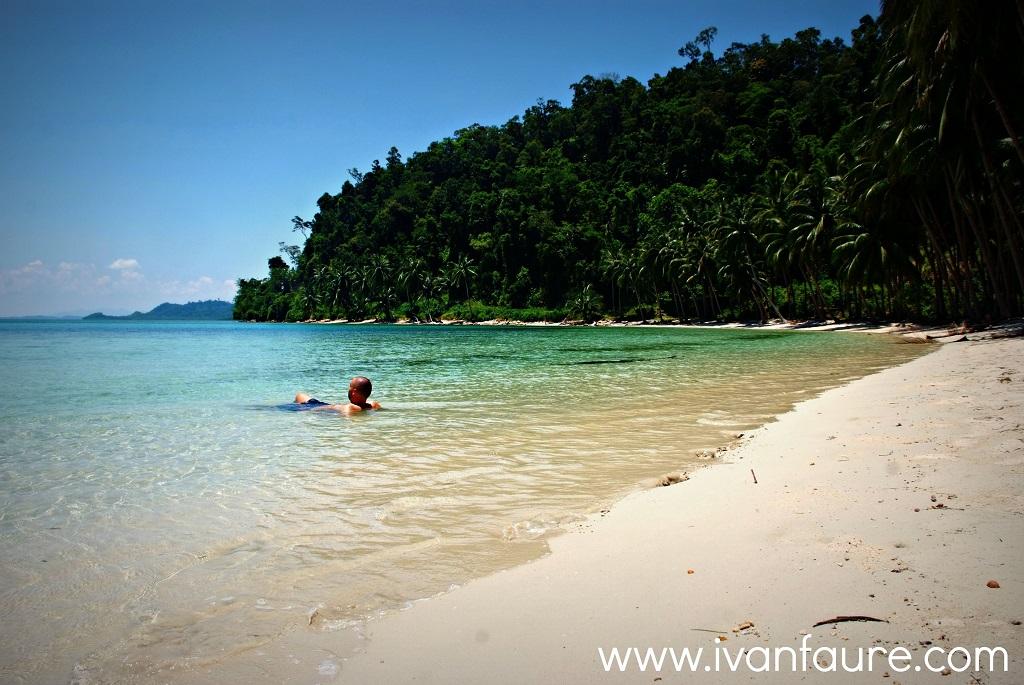 white beach port barton filipinas