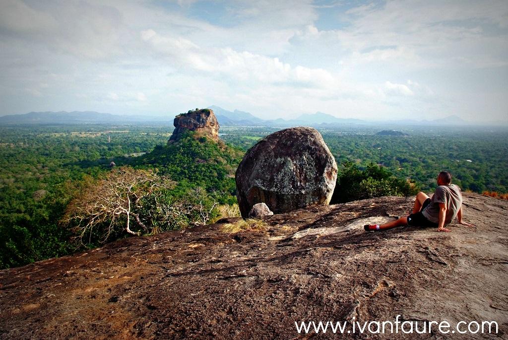 vista roca del leon sigiriya