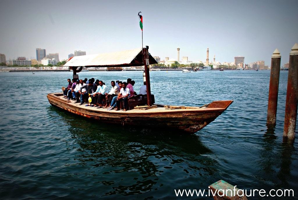 barca para ir a old dubai
