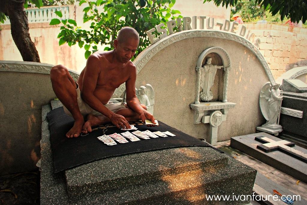 vida en el north cemetery de manila
