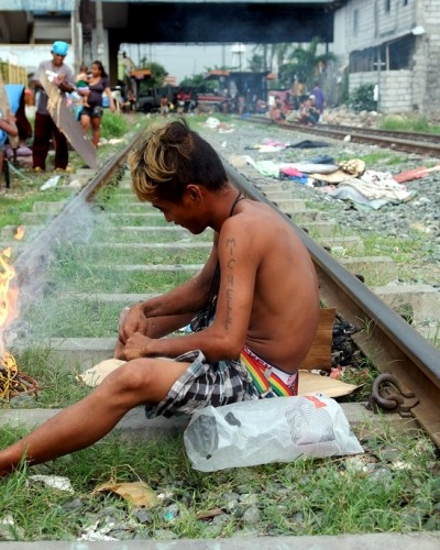 Vida junto al tren (Filipinas) / Live beside the rails (Philippines)